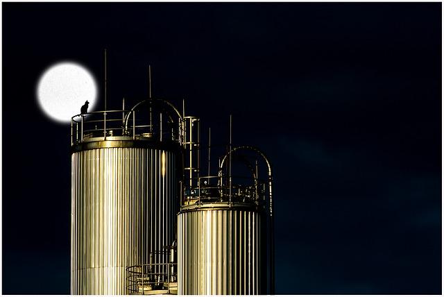 Chemoodporne zbiorniki procesowe – na co zwrócić uwagę?