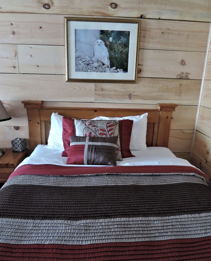 Eleganckie i efektowne łóżko tapicerowane