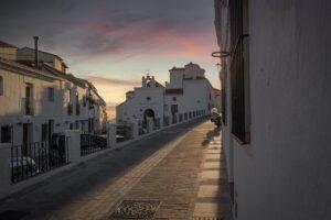 Dlaczego warto inwestować w nieruchomości w słonecznej Hiszpanii?