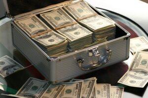 Jak inwestować pieniądze na emeryturę?