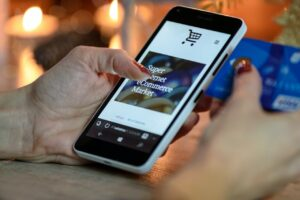 Czy chatbot sprawdzi się w branży ecommerce?